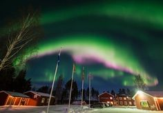 Four nights within the Arctic Circle, with northern lights trip, wilderness excursions, Ice Hotel visit, breakfast and travel