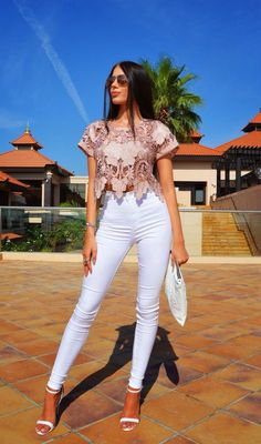 Looks con Jeans de Moda para Mejorar tu Estilo Outfits with Fashion Jeans to Improve Your Style Cute Casual Outfits, Chic Outfits, Spring Outfits, Fashion Outfits, Womens Fashion, Fashion Trends, Trending Fashion, Moda Outfits, Beste Jeans