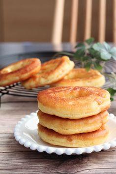 ホットケーキミックスで簡単!フライパンで作れるふわふわドーナツ | レシピサイト「Nadia | ナディア」プロの料理を無料で検索