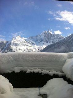 Geneva to Chamonix transfers and Chamonix weather & snow report 16/0111:00. -5C and a bluebird powder day.