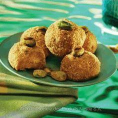 Arabic Food Recipes: Vanilla and Pistachio Biscuit Balls Recipe