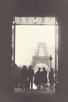 1920s paris Old Paris, Vintage Paris, Paris 1920s, Paris Paris, Tour Eiffel, Black White, Vieux Paris, Belle Photo, Vintage Photography