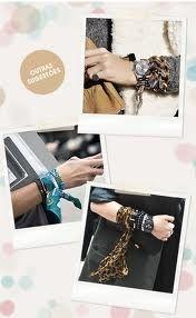 Resultado de imagem para lenços e bandanas amarrados nos pulsos e braços imagens