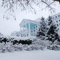 America?s Winter Resort: The Greenbrier
