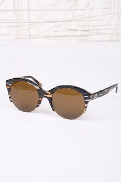 #Sunglasses #Summer #Fashion #ForLadies #Style  http://www.urbanoutfitters.co.uk/house-of-harlow-camo-lucy-sunglasses/invt/5758423304002/