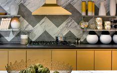 Beyond Tile: 25 Truly Beautiful Kitchen Backsplashes Via Brit + Co Fliesen,  Einrichten Und
