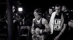 Sandra Sevilla - Avant d'entrer sur le ring