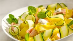 Makaron z suszonymi pomidorami i sosem mascarpone - przepis • Kuchnia Lidla No Cook Appetizers, Dinner Dishes, 20 Min, Cantaloupe, Potato Salad, Zucchini, Fries, Salads, Good Food