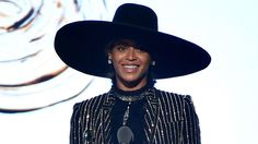 Beyonce Gives POWERFUL Speech At CFDA's & Receives Fashion Icon Award