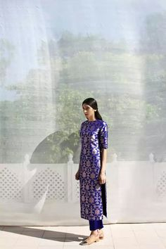 Based in Mumbai, Bridelan is a boutique bridal styling company that offers personal shopping, fashion styling and luxury consultancy services for South Asian and Indian weddings. Desi Wear, Designer Kurtis, Indian Attire, Indian Ethnic Wear, Ethnic Fashion, Asian Fashion, Fashion Men, Indian Dresses, Indian Outfits