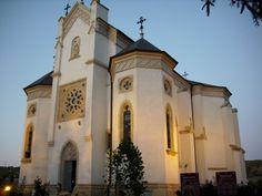 Biserica manastirii Mansions, Architecture, House Styles, Home Decor, Arquitetura, Decoration Home, Manor Houses, Room Decor, Villas