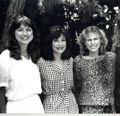1988: The Pediatric AIDS Foundation is created by Elizabeth and her two friends, Susie Zeegen and Susan DeLaurentis, after Ariel loses her battle with AIDS at age 7. Their goal: Give hope to children and families affected by HIV and AIDS.