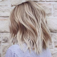It's true, you can observe that balayage works pretty nicely with all hair lengths. Still another website to explain to you how balayage is finished. Thin Hair Haircuts, Cool Haircuts, Medium Hairstyles, Bob Hairstyles, Simple Hairstyles, Layered Hairstyles, Everyday Hairstyles, Newest Hairstyles, Short Blonde Haircuts