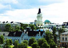 Rauhaa Helsinkiin, toivoo Oulu! – Oulu vaihtaa kaikki mainokset valokuviin Helsingin Rautatientorin metroaseman liukuportaiden ja otsalaudan näytöissä viikon ajaksi. Kuvat ovat upeasta Oulusta – jotka sinä valitset.