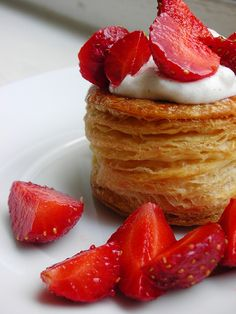 """Vols-au-Vent (Vanilla Whipped Cream & Strawberries)  _ Vols-au-Vent with Michel Richard's Puff Pastry Dough. As it's a little long, here's a printable link to the recipe for puff pastry, as well as instructions for forming vol-au-vents & some extra tips. Also, there is a wonderful on-line video from the PBS show """"Baking with Julia"""" that accompanies the book. In it, Michel Richard & Julia Child demonstrate making puff pastry dough (although they go on to use it in other applications)! Puff Pastry Dough, Puff Pastry Recipes, Lorraine, Baking With Julia, Vol Au Vent, Vanilla Whipped Cream, Just Desserts, Food Videos, Food To Make"""
