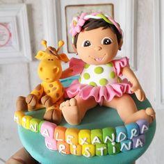 Cea mai buna prietena a Alexandrei este girafa Mini :D De ce sa nu fie si ea prezenta pe cake topperul de botez? <3 #figurinetort #figurinebotez #figurinepersonalizate #deliciumic - http://ift.tt/1ipRjKg -