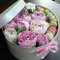Flower Box Gift, Flower Boxes, Types Of Flowers, Pink Flowers, Beautiful Flowers Wallpapers, Beautiful Images, Indian Wedding Favors, Deco Floral, Candlemaking