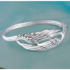 bracelet of wings by lorianne Jewelry Rings, Jewelry Box, Silver Jewelry, Jewelry Accessories, Jewlery, Gold Jewellery, Angel Wing Bracelet, Angel Wings Jewelry, Angel Ring