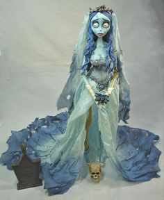 Prego: Have you seen the Jun Planning Corpse Bride, Corrina? Corpse Bride Doll, Corpse Bride Makeup, Emily Corpse Bride, Corpse Bride Costume, Tim Burton Corpse Bride, Bride Dolls, Disney Costume Makeup, Disney Costumes, Sugar Skull Tattoos