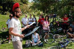 """¡Arrancaron las """"Bicicleteadas Teatrales"""" en el marco de Milla Cultural Sur!    Una propuesta que une la actividad al aire libre con los clásicos de la literatura universal.      RESERVAS"""