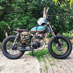 "From @haszuannazri - ""Gerak kerja dlu mat!! Nnt papehal roger"" ⚡️ - #gasolinedreams #nofilter #moto #motorcyclesofinstagram #supermoto #cool #enduro #photooftheday #honda #yamaha #suzuki #fashion #scrambler #motorcycle #forevertwowheels #instagood #custom #instamotorcycle #tracker #vintage #caferacer #streettracker #custombike #fun #bikelife #bratstyle #bespoke #instacool #summer"