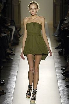 Balmain Spring 2007 Ready-to-Wear Fashion Show - Snejana Onopka