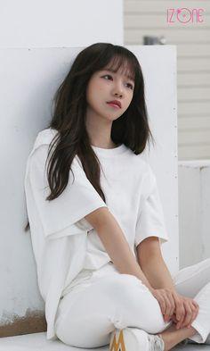 Kpop Girl Groups, Kpop Girls, Yuri, Eyes On Me, Kitsune Mask, Yoon Sun Young, Japanese Girl Group, The Wiz, Sexy Asian Girls
