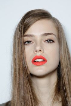 coral lip + soft peach eyeshadow.