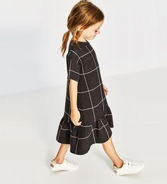 Ideas Knitting Baby Girl Dress Kids Fashion For 2019 Little Girl Fashion, Little Girl Dresses, Toddler Fashion, Kids Fashion, Girls Dresses, Trendy Fashion, Fashion Ideas, Fashion Tips, Toddler Dress