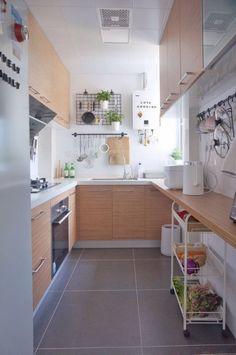 Small Apartment Kitchen, Home Decor Kitchen, New Kitchen, Home Kitchens, Compact Kitchen, Luxury Kitchens, Kitchen Hacks, 10x10 Kitchen, Narrow Kitchen