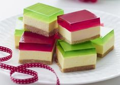 Jelly Cheesecake Recipe No Bake Family Favorite Video Tutorial Jelly Desserts, Jelly Recipes, Köstliche Desserts, Baking Recipes, Sweet Recipes, Delicious Desserts, Dessert Recipes, Yummy Food, Baking Ideas