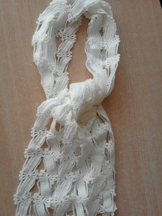 It is a website for handmade creations,with free patterns for croshet and knitting , in many techniques & designs. Crochet Poncho, Love Crochet, Crochet Scarves, Crochet Stitches, Crochet Things, Knitting Patterns, Crochet Patterns, Viking Tattoo Design, Sunflower Tattoo Design