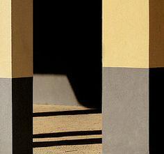 Pilastri (salvatore tardino) Tags: building colors canon casa quadro ombre 5d luci astratto palazzo costruzione colori architettura forme portico colonne travi geometrie linee passaggio penombra canicatt rettangoli