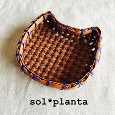Diy And Crafts, Paper Crafts, Handicraft, Saddle Bags, Basket, Band, Craft, Molle Pouches, Paper Craft Work