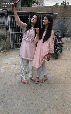 Aimen khan & Minal khan Pakistani Models, Pakistani Actress, Girls Kurti, New Designer Dresses, Casual Dresses, Fashion Dresses, Pakistani Formal Dresses, Cute Celebrities, Kurta Designs