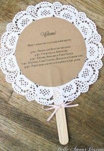 Sono facilissimi da realizzare questi ventagli per il matrimonio. Per realizzarli usate i sotto torta di carta, come questi…
