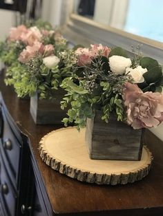 Centerpieces for DIY weddings wood slices approx 10 x Wood Centerpieces, Wedding Centerpieces, Centrepieces, Bridal Shower Decorations, Diy Wedding Decorations, Wood Log Crafts, Pine Cone Art, Cupcake Stand Wedding, Home Room Design