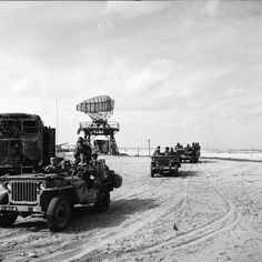 In port-Said, French paratroopers take control of airport, Suez expedition 1956.