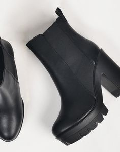 Chunky Platform Booties - 7 – Shoes – 2020AVE