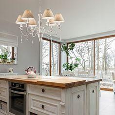 Lustra Provence SP3 #homedecor #inspiration #interiordesign #livingroomdecor Cabana, Double Vanity, Provence, Living Room Decor, Interior Design, Bathroom, Inspiration, Home Decor, Cluster Pendant Light