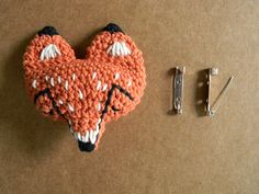 Fox pin tutorial by pica-pau, in Spanish and English