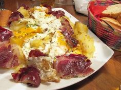 """""""Huevos rotos"""" / Fried broken eggs with iberic ham, Madrid Recipes Spanish Dinner, Spanish Tapas, Cooking Chef, Cooking Recipes, Best Diner, Healthy Recepies, Recipe Images, Mediterranean Recipes, Egg Recipes"""