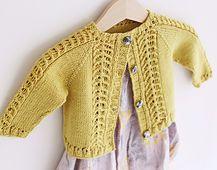 Garn Tynn Merino fra sandnes Crochet Girls, Crochet Baby Clothes, Crochet For Kids, Baby Cardigan Knitting Pattern, Baby Knitting Patterns, Baby Patterns, Pattern Sewing, Knitting For Kids, Sewing Basics