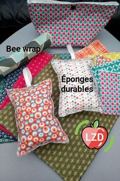 Faites des économies mais protégez aussi l'environnement en passant au lavable et au durable #essuietout #lavette #eponge #beewrap #emballagealimentaire #durable #lavable #zd #zerowaste #zerodechet #faitmainenfrance #lunicecreations Das Abc, Bees Wrap, Felt Pillow, Creation Couture, Couture Sewing, Quilting For Beginners, Knitted Blankets, Diy Clothes, Diy Gifts