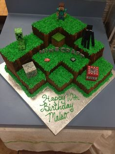 MineCraft Cake www.enchantingcak… MineCraft Cake www. Minecraft Birthday Cake, Easy Minecraft Cake, Minecraft Cupcakes, Minecraft Houses, Minecraft Bedroom, Minecraft Crafts, Minecraft Skins, Creeper Minecraft, Minecraft Furniture