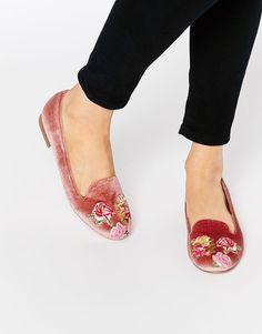 Imagen 1 de Zapatos planos con bordados MYLO de ASOS