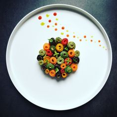 Very classical dish, here presented in a modern version! Def gonna make this - Berjan Modernist Cuisine, Modern Food, Food Science, Food Journal, Food Plating, Plating Ideas, Molecular Gastronomy, Culinary Arts, Teller