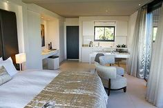 Self Catering suite with King Size XL Beds, Fully equipped Kitchenette, Desk, FREE Wi-Fi, complimentary Nespresso coffee & tea, Bathroom with separate Rain Shower and mountain & bay view | Somerset West | Cape Town