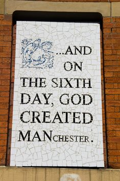 If you only have one day in Manchester, England, of course you want to make the most of it! Let The Travel Tester guide you to some of the highlights of this city! Manchester England, Great Britain, Travel Guide, Dutch, Real Life, Scotland, Stuff To Do, Highlights, Bucket