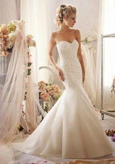 Ultra elegant wedding dress -- mermaid style